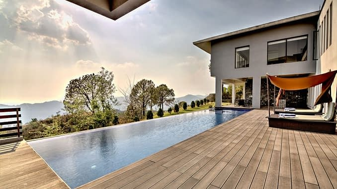 Estate 5 Outdoor Swimming Pool
